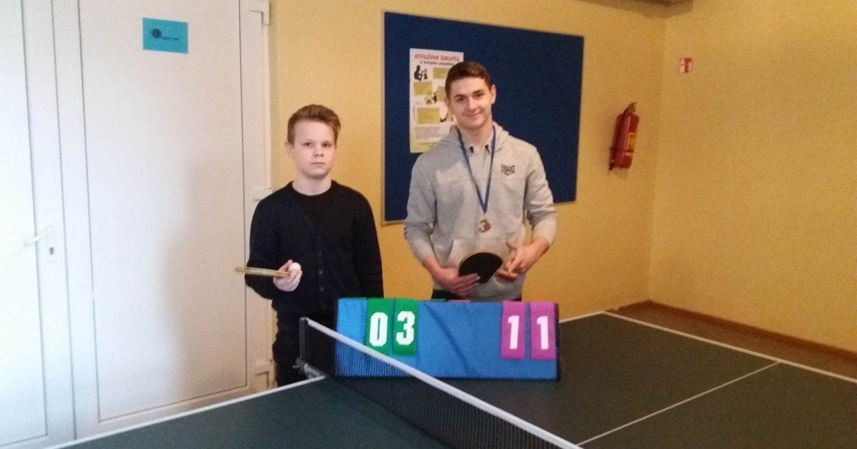 Gimnazijos 5-12 klasių mokinių stalo teniso turnyras