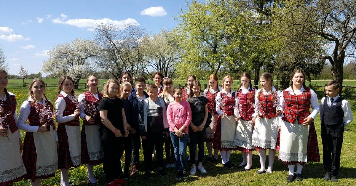 Lietuvos maironiečių susitikimas Maironio gimtinėje