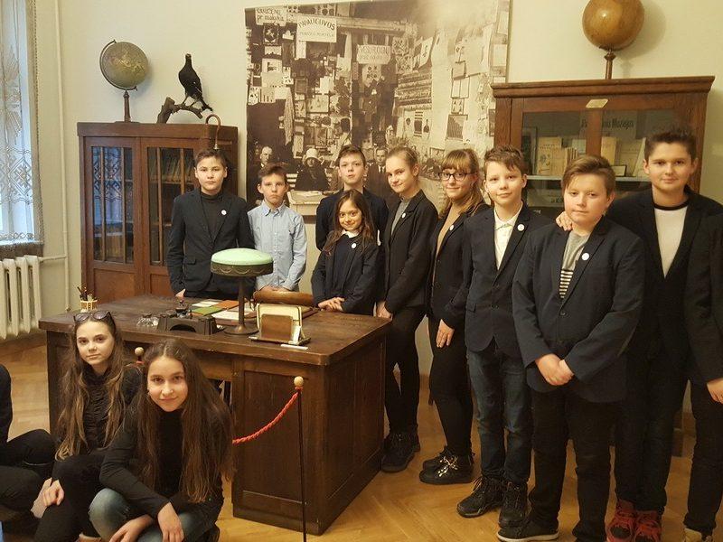 Maironiečių išvyka į Lietuvos švietimo istorijos muziejų