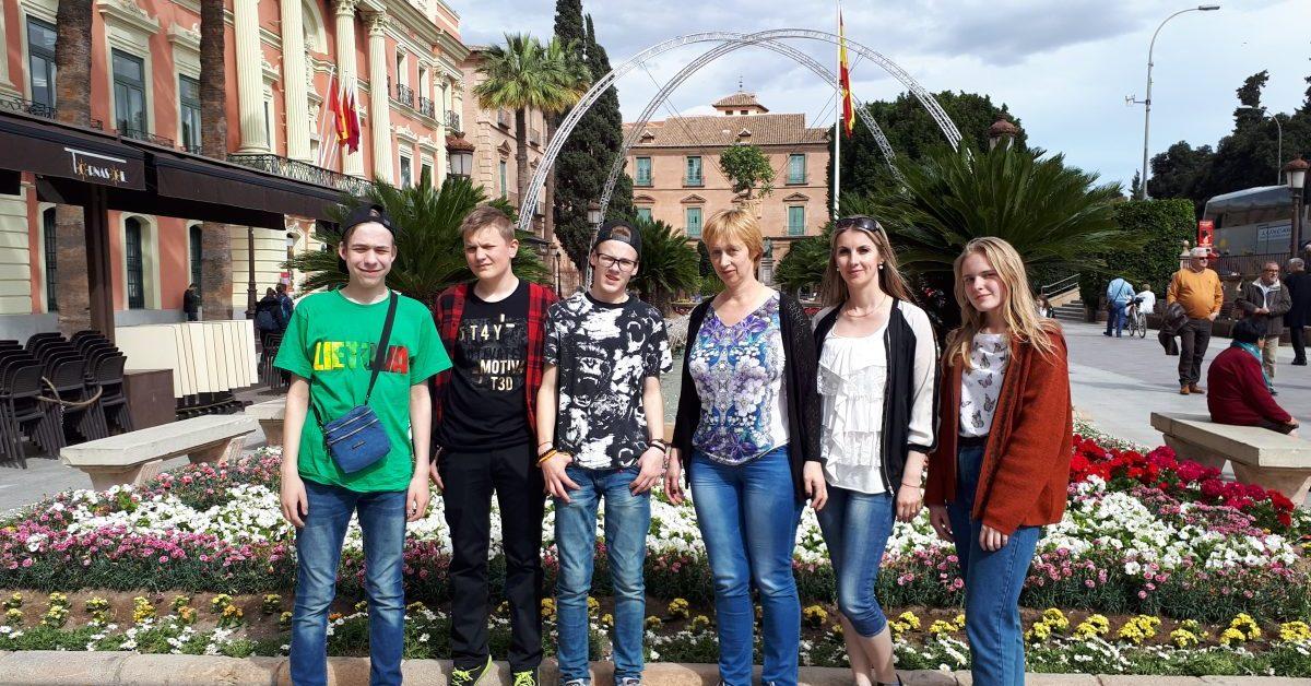 Menai, technologijos ir sportas Ispanijoje