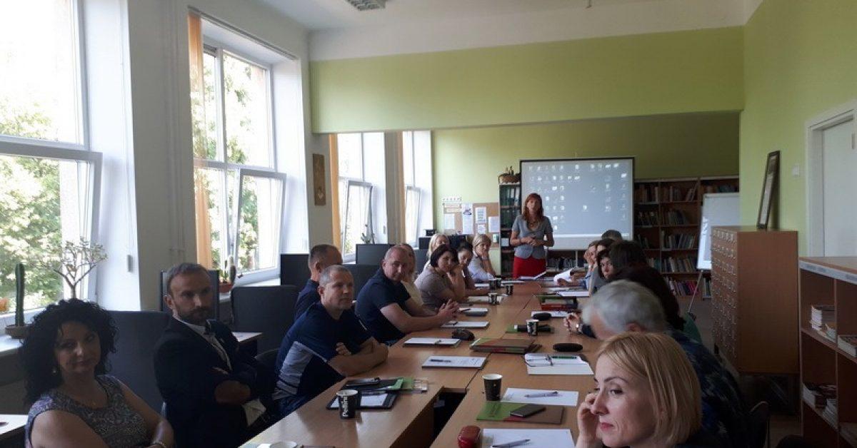 """Seminaras """"Pasiruošimas seminarui – stažuotei Yad Vashem – tarptautinėje studijų apie Holokaustą mokykloje"""""""
