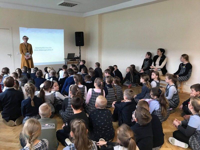 Susitikimas su knygų vaikams autore Danguole Kandrotiene