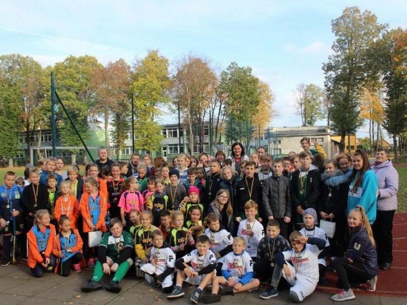 Kauno miesto žolės riedulio čempionatas Veršvų gimnazijos 100 metų jubiliejui paminėti