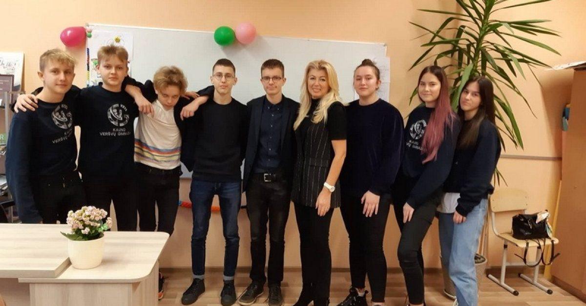 """""""Sėkmės"""" pamoka su Lietuvos nusipelniusia karate trenere V.Korsakoviene"""