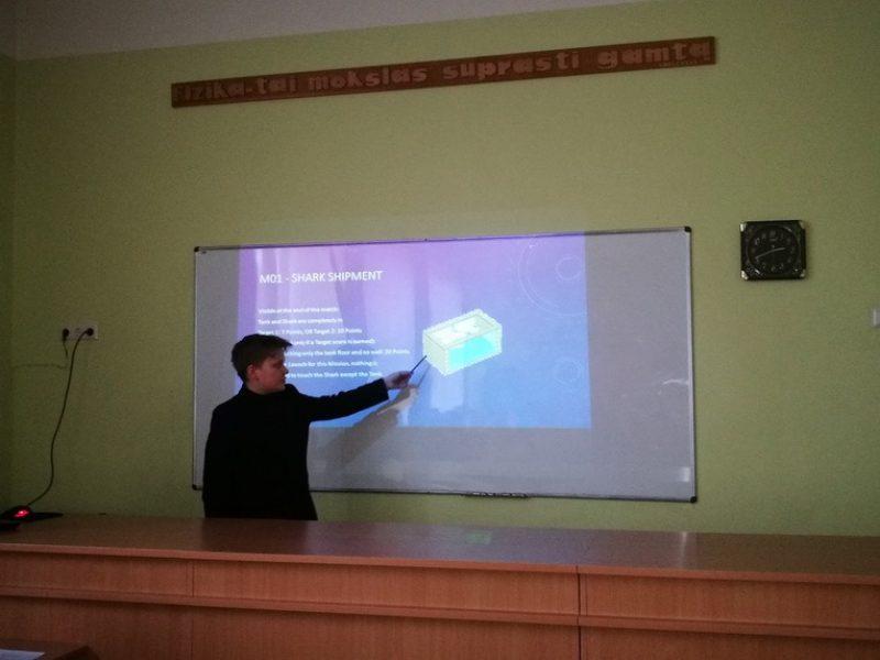 Pirmasis projektų pristatymas gimnazijos  bendruomenei mokantis pagal Novatoriško verslumo ugdymo sampratą