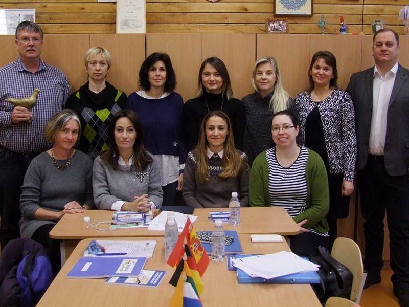 """Erasmus+ KA2 tarpmokyklinių strateginių partnerysčių projekto """"Saugoti gamtą ne prievolė, o galimybė"""" tarptautinis projekto partnerių susitikimas Kauno Veršvų gimnazijoje"""